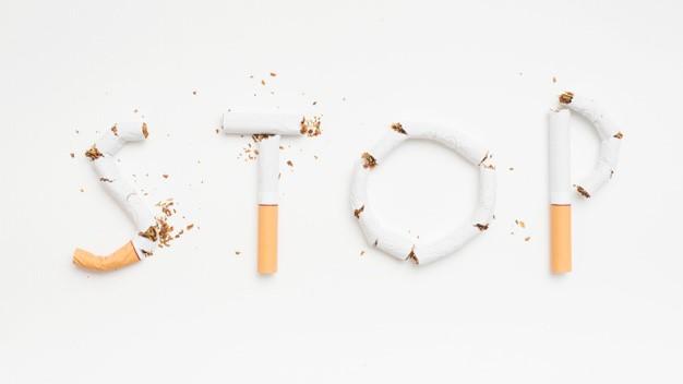 Imagen que contiene exterior, avión, vuelo, humo  Descripción generada automáticamente